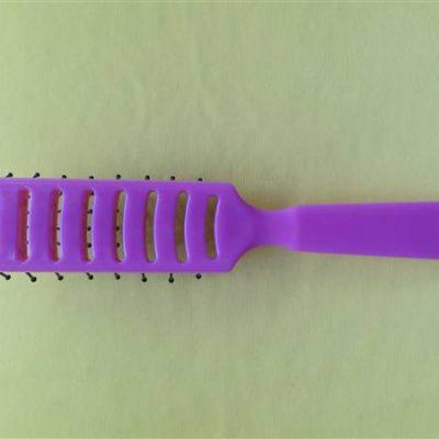 PLASTIC HAIR BRUSH B1012N